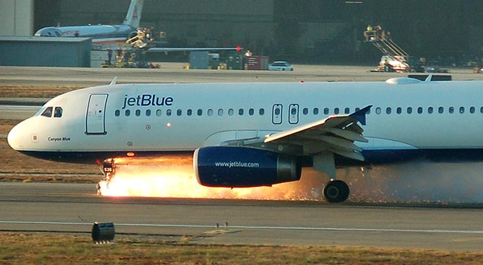 JetBlue Flight 292 - Live Air Traffic Control & Live Airport Webcams